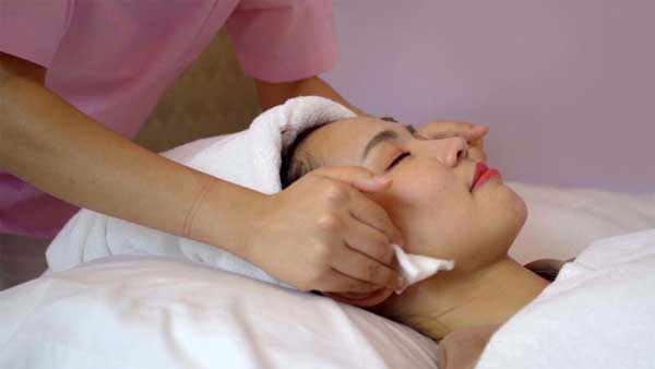Facial Massage (AMBC)